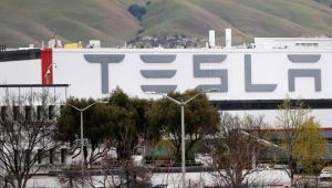 Koronavirüs: ABD'deki Tesla fabrikası kapalı kalacak