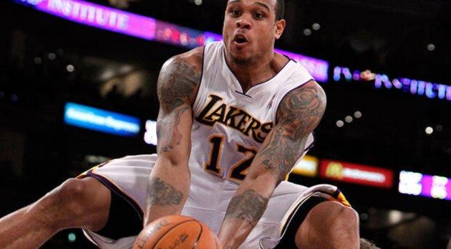 Lakers'ın eski yıldızı Shannon Brown evine giren iki kişiye ateş açtı