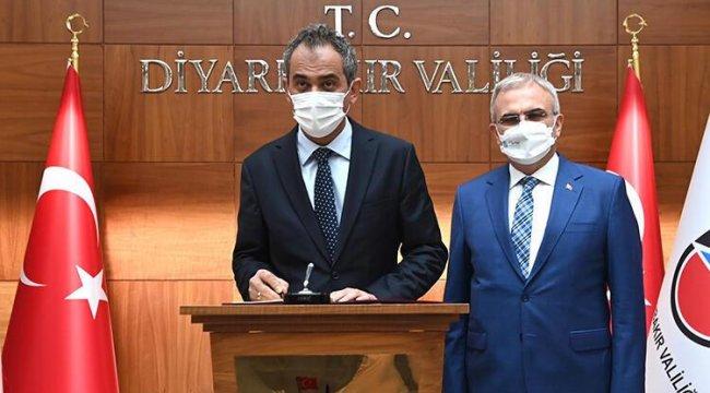Milli Eğitim Bakanı Özer: Diyarbakır'da 21 sınıfta vaka veya temaslı nedeniyle eğitime ara verildi